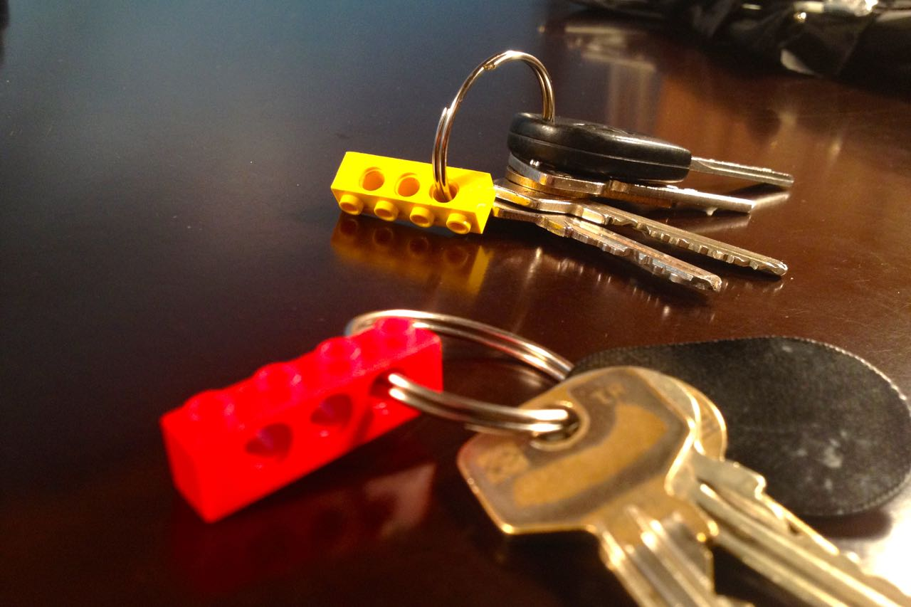 How To Make A Cool Keychain And Key Holder With Lego